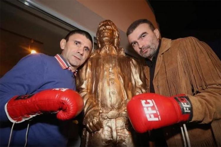 Legendarni Čak Noris dobio spomenik u Zagrebu
