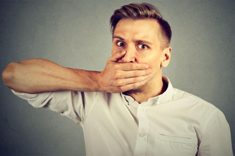 Muči vas loš zadah? Izbjegavajte ove namirnice
