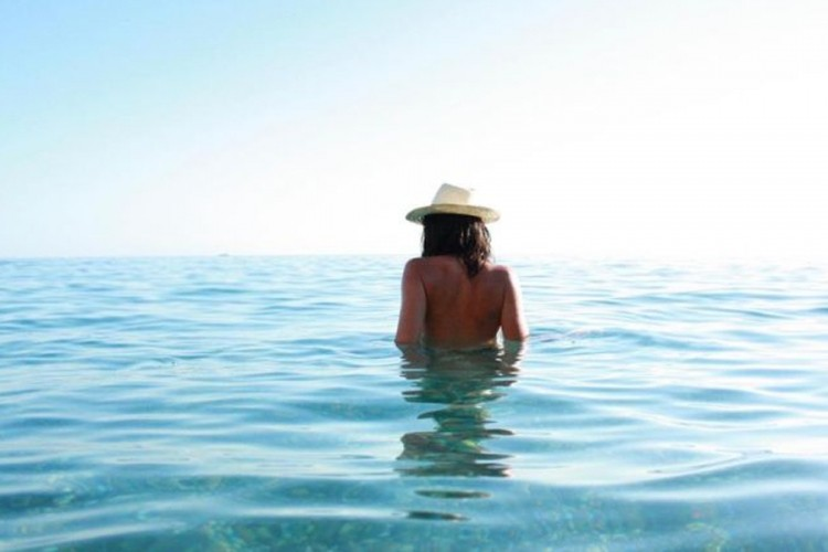 Pretjerana količina seksualnih odnosa uništila plažu
