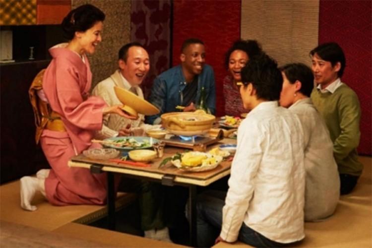 Zašto Japanci sjede na podu dok jedu